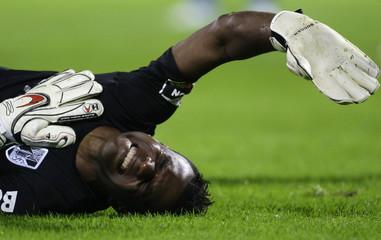 Guimaraes' goalkeeper Nilson reacts during their Portuguese Premier League soccer match against Porto in Guimaraes