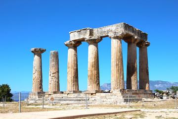 Ruines du temple Apollo dans l'ancien Corinthe, Grèce