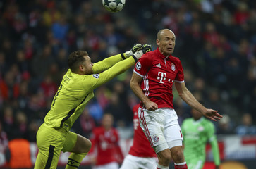 Bayern Munich v PSV Eindhoven - UEFA Champions League Group Stage - Group D