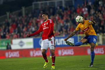 Football Soccer - Estoril v Benfica - Portuguese Premier League