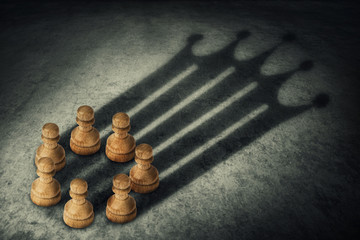the pawns crown