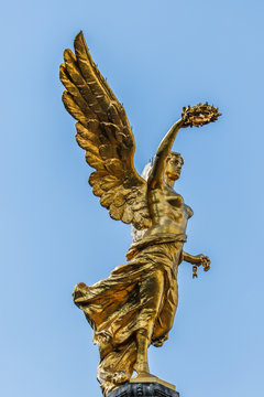 The Angel of Independence monument in Mexico City, Mexico