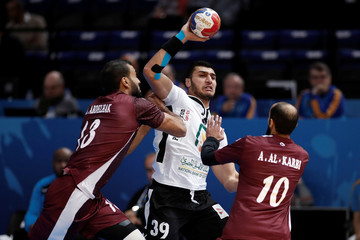 Men's Handball - Qatar v Egypt - 2017 Men's World Championship Main Round - Group D