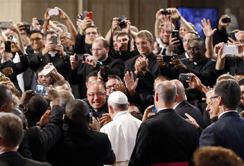 Seminarians greet  Pope Francis at Basilica of the National Shrine of the Immaculate Conception in Washington