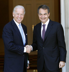 Spain's PM Zapatero shakes hands with U.S. Vice President Biden at the Moncloa Palace in Madrid
