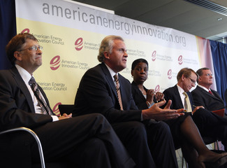 General Electric CEO Immelt and executives attend news conference about U.S. energy innovation in Washington
