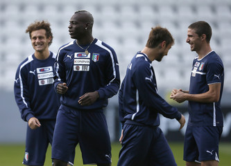 Italy's soccer players Diamanti Balotelli Marchisio and Borini attend a training session during the Euro 2012 in Krakow