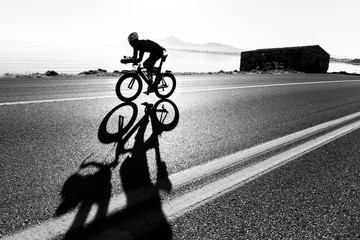 Foto auf Acrylglas Radsport Zeitfahren / Triathlon Silhouette