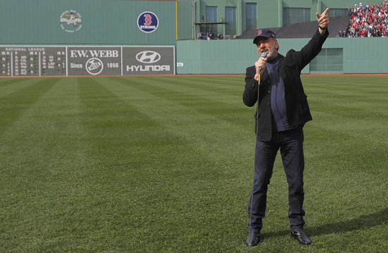 """Singer Neil Diamond sings """"Sweet Caroline"""" during the eighth inning of MLB American League baseball action between the Red Sox and the Royals in Boston"""