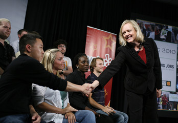 Former eBay CEO and California Republican candidate for governor Meg Whitman shakes hands in San Francisco