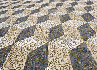 Portuguese pavement, trompe l'oeil