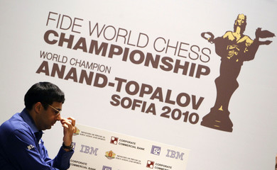 World chess champion Anand of India concentrates in Sofia