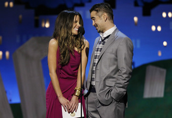 Actress Kate Beckinsale and actor Colin Farrell present an award together at the 2012 Film Independent Spirit Awards in Santa Monica