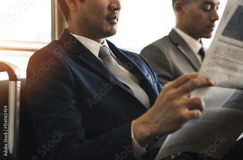 business men break sit read newspaper zdj stockowych i obraz w royalty free w. Black Bedroom Furniture Sets. Home Design Ideas