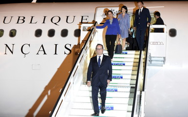 France's President Hollande arrives in Havana with Minister for Ecology, Sustainable Development and Energy Royal and Culture Minister Pellerin