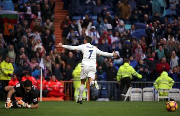 Football Socer - Real Madrid v Sporting Gijon - Spanish La Liga Santander