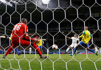 Football Soccer - Mamelodi Sundown v Kashima Antlers - FIFA Club World Cup - Match 3