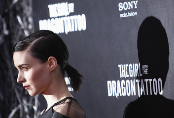 """Cast member Rooney Mara arrives for the premiere of the film """"The Girl with the Dragon Tattoo"""" in New York"""