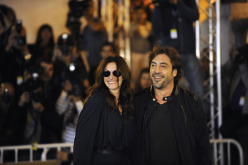 U.S. actress Roberts and Spanish actor Bardem arrive at Hotel Maria Cristina on the third day of the 58th San Sebastian Film Festival