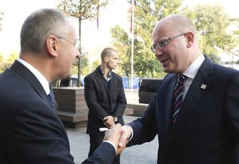 Party of European Socialists (PES) President Stanishev welcomes Czech Prime Minster Sobotka in Bratislava