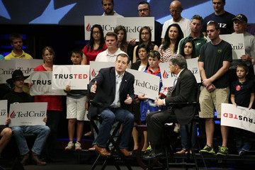 Republican U.S. presidential candidate Cruz talks with Hannity at a town hall campain event in Orlando, Florida