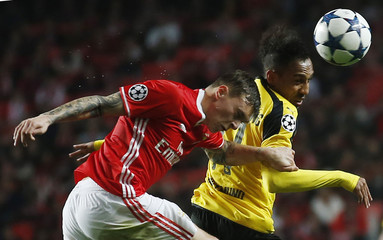 Borrusia Dortmund's Pierre-Emerick Aubameyang in action with Benfica's Victor Lindelof