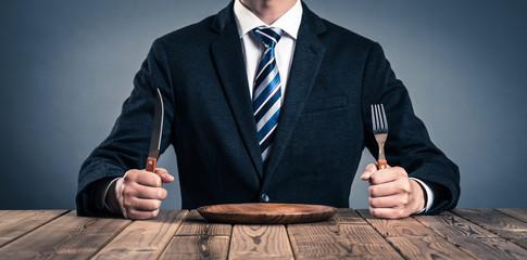 食卓のビジネスマン