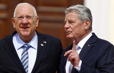 German President Gauck meets Israeli President Rivlin in Berlin