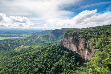 Cachoeira Véu de Noiva im Chapada dos Guimaraes Nationalpark, Brasilien Fototapete
