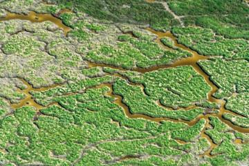 Vue aérienne du bord de mer au Mont Saint Michel