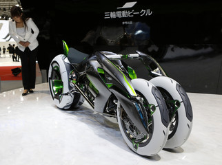"""Kawasaki Heavy Industries' concept electric tricycle """"J"""" is seen at the 43rd Tokyo Motor Show in Tokyo"""