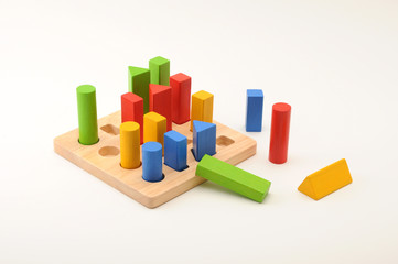カラフルな積み木のボードゲーム