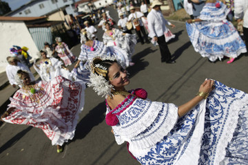 """Women are seen wearing traditional clothing known as """"Pollera"""" as they take part in the annual Thousand Polleras parade in Las Tablas"""