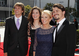 Actor Jason Ritter, his mother Nancy Morgan, his brother Tyler and his sister Carly pose at the 2012 Primetime Creative Arts Emmy Awards in Los Angeles