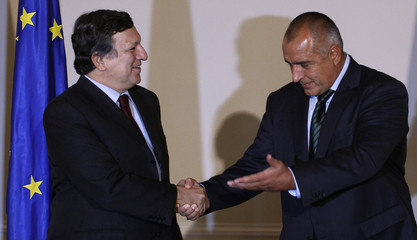 Bulgaria's Prime Minister Borisov welcomes European Commission President Barroso before their meeting in Sofia