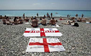 England fans enjoy the beach in Nice - EURO 2016
