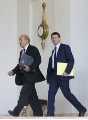 France's Defence Minister Le Drian and Interior Minister Valls arrive for a Defence Council meeting at the Elysee Palace in Paris