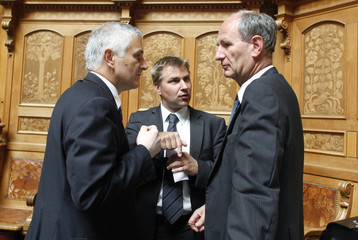 National Councillors Baader and Brunner speaks to Wandfluh in the National Council during the summer parliament session in Bern
