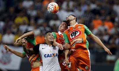 Football Soccer - Corinthians v Cobresal - Copa Libertadores