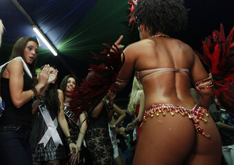 Miss Universe 2011 contestants attend a samba dance class in Sao Paulo
