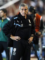 Uruguay's coach Oscar Tabarez attends the 2014 World Cup qualifying soccer match against Argentina in Mendoza
