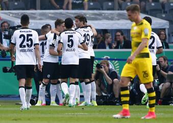Eintracht Frankfurt's Ante Rebic celebrates with team mates after scoring their first goal