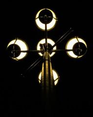 Najciemniej pod latarnią, czyli lampa uliczna nocą