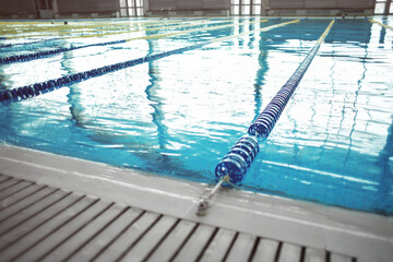Float lane in swimming pool