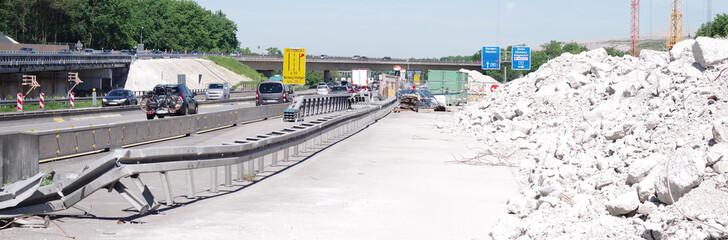 Autobahnbaustelle, Baustelle, Verkehrsbehinderung