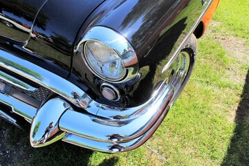An image of a us classic car, vintage