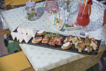 meat, food, gourmet, cheese, delicious, ham, cuisine, appetizer, platter, snack, assortment, meal, italian