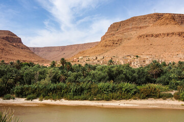 Marokko - Landschaft zwischen Midelt und Erfoud