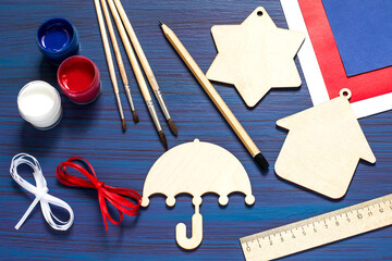 DIY. Painting souvenirs and gifts for Independence Day on July 4. Step 1