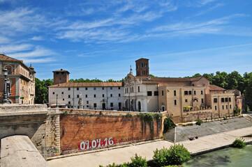 Roma, l'Isola Tiberinae la Basilica di San Bartolomeo